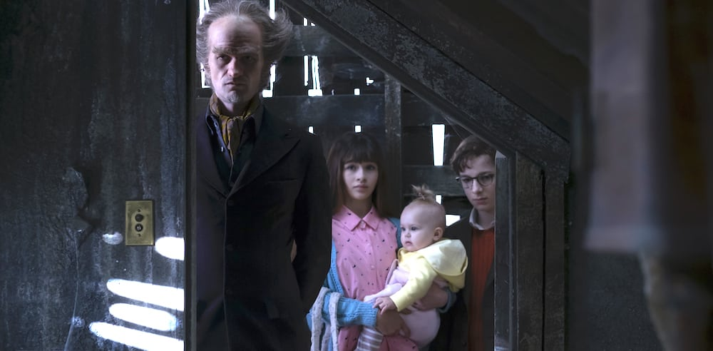 Comte Olaf accueille les orphelins Baudelaire