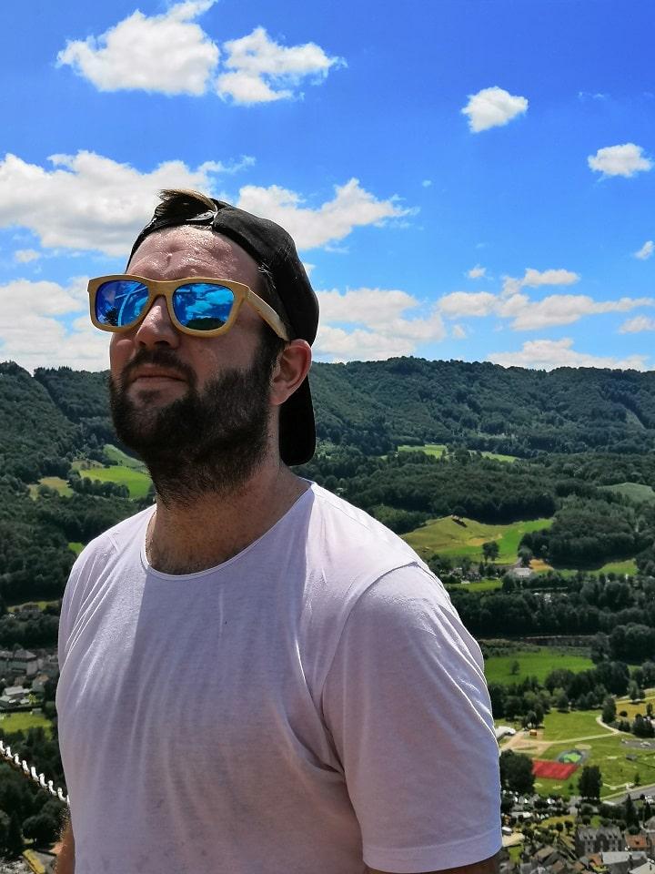 Une petite randonnée avec mes lunettes de soleil Woodstock