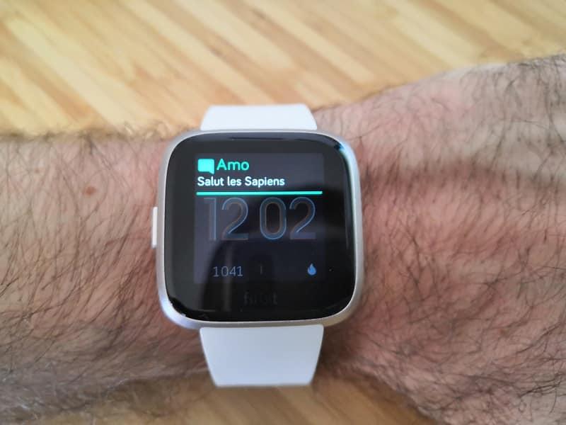Recevoir des sms sur sa montre Fitbit Versa edition lite