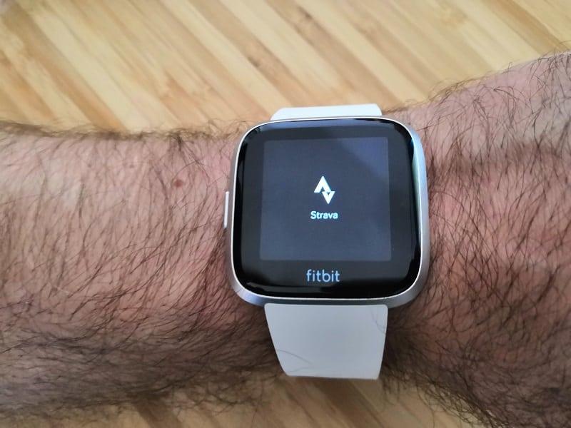 Fitbit Versa Lite application Strava pour suivi GPS